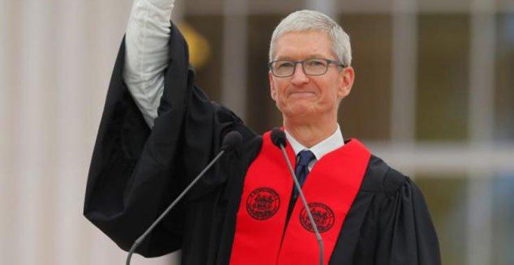 Генеральный директор Apple Тим Кук рассказывает о выпускниках Массачусетского технологического института: технологии роста с человечеством