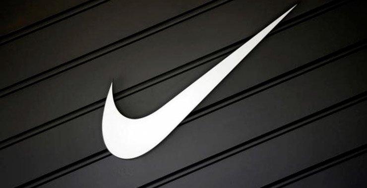 Nike-Amazon может повлиять на продажи в розничных магазинах спортивных товаров, таких как Foot Locker