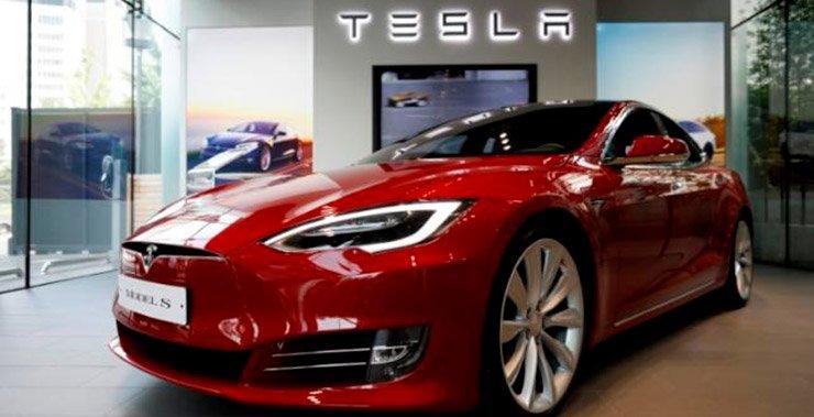 Tesla Inc сообщила, что поставки в текущем квартале будут включать около 3500 автомобилей, которые были в пути к клиентам в конце второго квартала