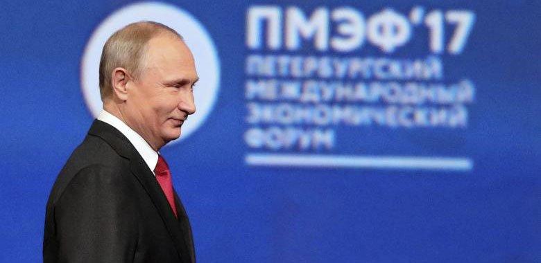 Президент Владимир Путин хвалит Трампа, говорит, что шпионы США могут подделать доказательства взлома