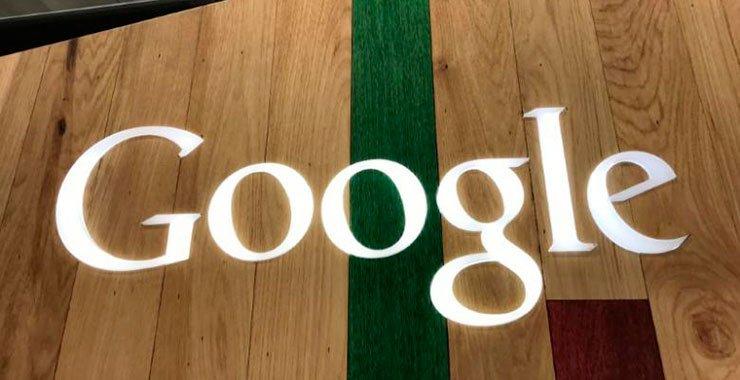 Alphabet Inc Google предложила законодателям США и международному сообществу обновить законы о том, как правительства получают доступ к данным о клиентах, хранящимся на серверах, расположенных в других странах