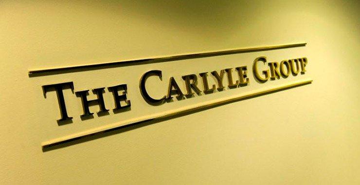 Группа выкупа Carlyle согласилась купить группу освещения аэродромов ADB Safegate при оценке около 900 миллионов евро (1 миллиард долларов)