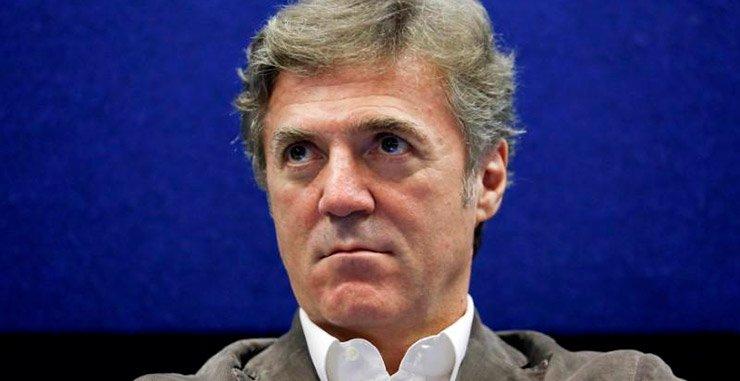 Министр Италии Карло Календа заявил, что скандал с исполнительным директором Telecom Italia  был разрешен