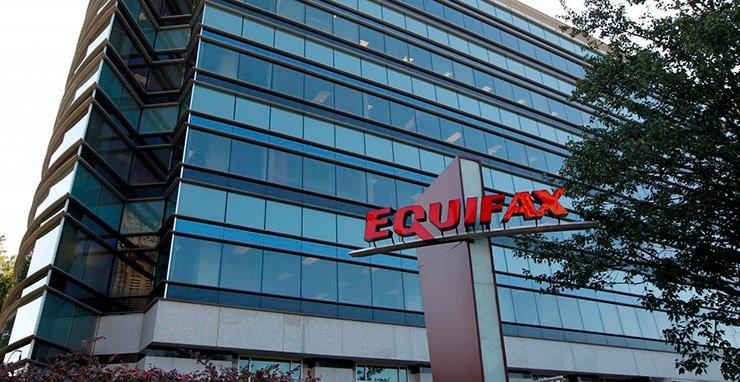 Регулятор финансовых услуг опубликовал повестку в Equifax Inc с требованием предоставить более подробную информацию о массовых нарушениях данных компании